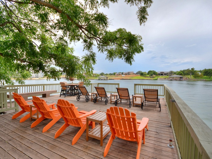 Waterfront, fabulous views, sunsets and relaxation - *New Game and Media Room*
